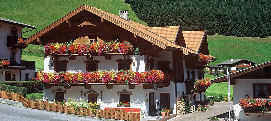 Sportpension_Elisabeth_Neustift_Stubaital_Tirol_Bed_Breakfast1-2